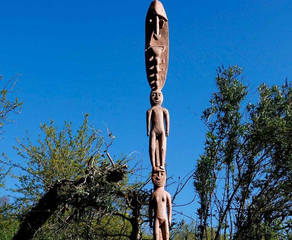 Poteau d'ancêtre; Papouasie